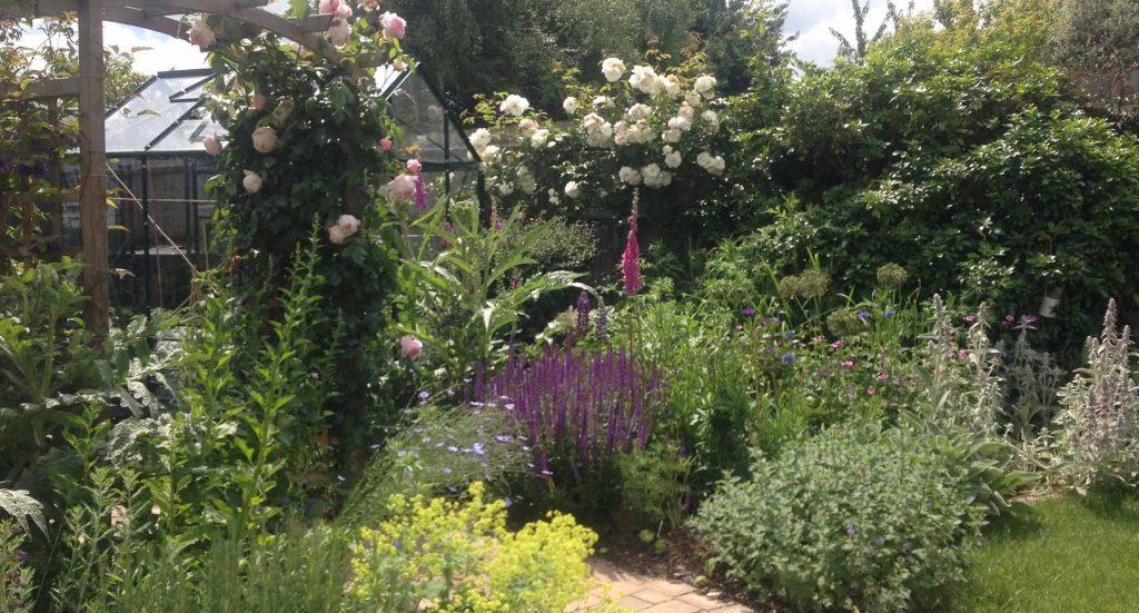 Garden design inspiration - Cottage Garden Style