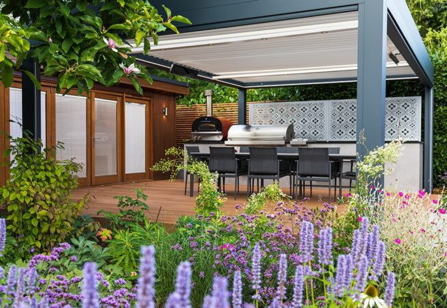 Bioclimatic Pergola with Outdoor Kitchen